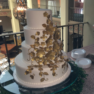 Custom cakes in San Angelo, TX